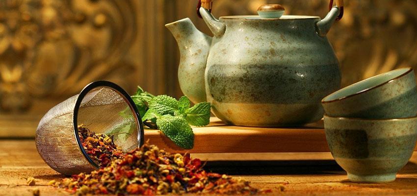 Ricette di Tisane di erbe medicinali per il mal di schiena..